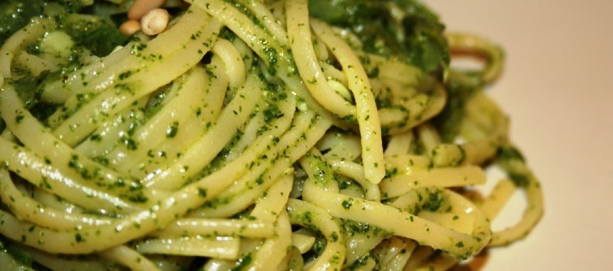 Easy Linguini with Home Made Pesto Sauce or Linguine al Pesto